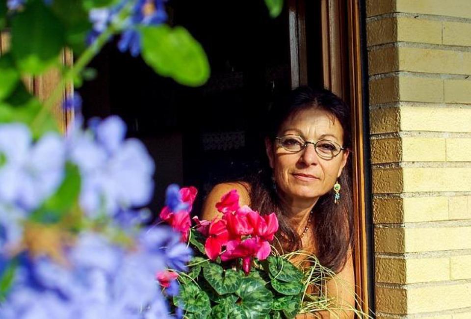https://pixabay.com/en/woman-smiling-serenity-sexagenarian-1789887/